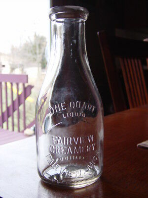 1930s FAIRVIEW CREAMERY Fairview MICHIGAN Mich. MI. Quart dairy milk bottle MINT