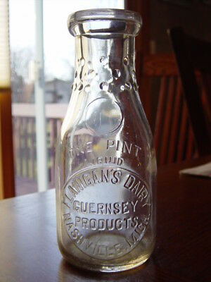 1930's FLANIGAN GUERNSEY Nashville MICHIGAN Mich. MI. Pint dairy milk bottle
