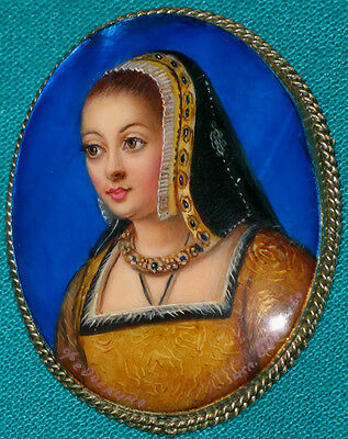 "WONDERFUL! ""Anne Of Brittany"" Russian Hand Painted Fedoskino MOP BROOCH"