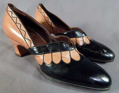 Vintage Unworn Tan Black Patent Leather Scallop Stitch Shoes & Spider Web Box