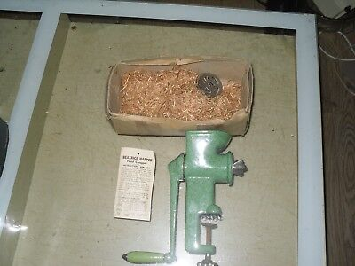 Vintage Beatrice Harper Enamel Food mincer  Chopper  With Instructions
