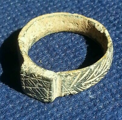 Wearable Genuine Ancient Roman Bronze Ring Decorated Engraved Desert Patina