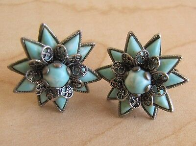Pair of Beautiful Vintage Silver Toned Blue Stone Star Flower Clip On Earrings