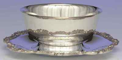Wallace BAROQUE SILVERPLATE Sauce Boat With Underplate S979461G2