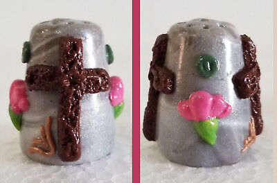 Boulder Bay Thimble - CROSS on MARBLED SILVER and SMALL PINK FLOWER S23