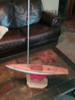 Vintage rare 24 inch Rich toy company Pond Original w/ Mast 1930s 1940s Sailboat