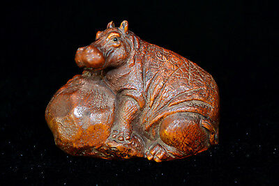 Old Handwork boxwood Carving Lifilike cattle chinese Culture netsuke Statue
