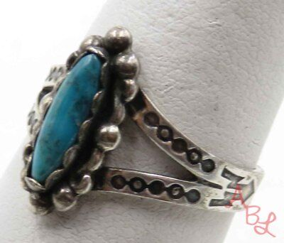 Sterling Silver Vintage 925 Navajo Turquoise Ring Sz 8 (3g) - 720361