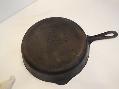 """Griswold Cast Iron Skillet #7 Small Logo 10"""" Pan Erie PA USA Vtg Antique"""