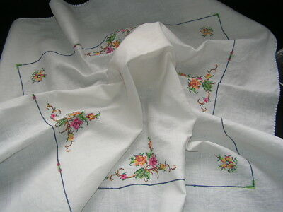 B'ful Vtg  Small Richly Hand Embroiered Roses White Linen Tablecloth