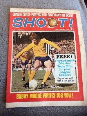SHOOT FOOTBALL MAGAZINE 30th August 1969 Crystal Palace Tommy Craig Etc