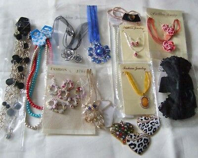 Job lot handmade 19 mixed assorted necklaces, pendants, new carded