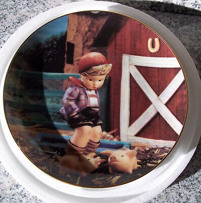 "M.I.Hummel Sammelteller ""Farm Boy"" * Serie ""Gentle Friends"" * OVP"