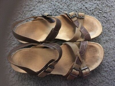 clarks active air sandals size 6