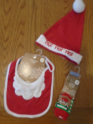 BNWT baby boy/girl Christmas accessories. Hat, bib & socks. Newborn - 3 months