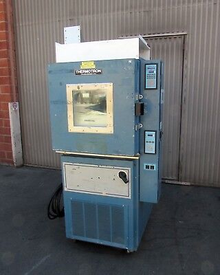 Thermotron S-4 Mini-Max Environmental Chamber w/ 2800 Controller & Therm-Alarm