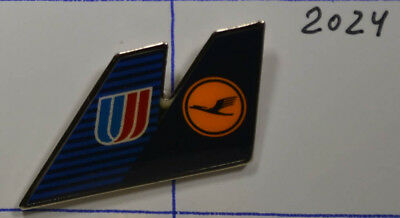 LUFTHANSA  United Airlines  PIN Badge    3,5 x 2  cm    (AN2024)
