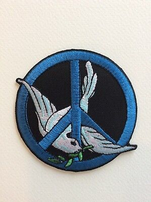 D196 // Ecusson Patch Aufnaher Toppa / Neuf / Peace Love Colombe 8 Cm