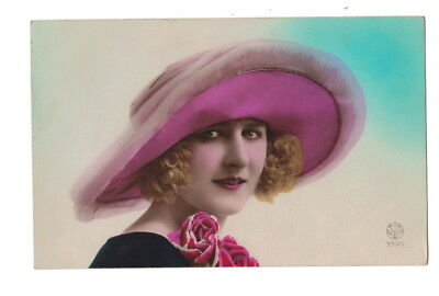 Mb7688 Art Deco Model With Big Beautiful Pink Hat Curly Hair Rppc