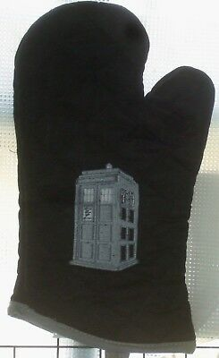 Doctor WHO 60's TARDIS  Oven Mitts.