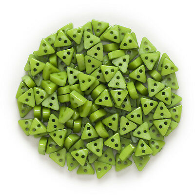 100pcs 2 hole Green Triangle Resin buttons Sewing Scrapbooking Decor 6mm