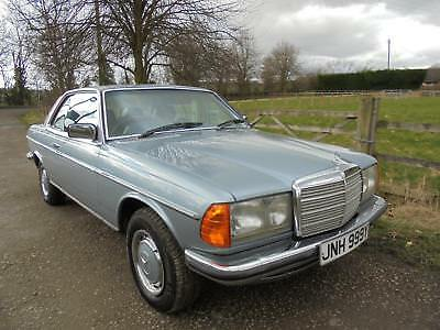 Mercedes-Benz 280 CE genune 89k **19 service stamps up to 88k Stunning example**