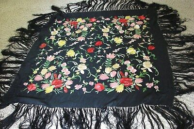 EXCELLENT ANTIQUE 1920s VINTAGE EMBROIDERED SILK PIANO SHAWL