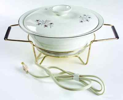 Salem WHIMSEY 1.5 Quart Round Covered Casserole with Stand 4743580