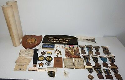 VTG 1940s WWII 9th Infantry Med Lot American Legion ID Card Discharge Pictures
