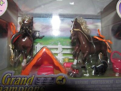 NEW Grand Champions Mini Horse & Family Quarter Horse Camping Out Set Fence