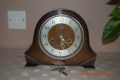 Smiths Enfield vintage wind-up striking mantle clock - Working.
