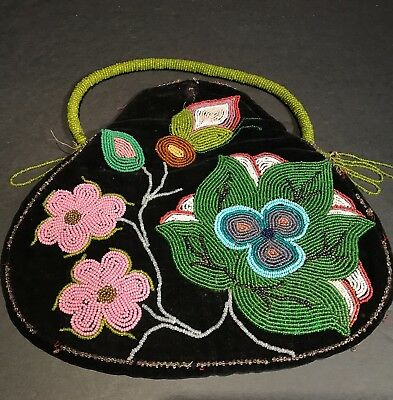 Late 19th C Ojibwe American Indian Beaded Floral Pictorial Purse, Excellent Cond