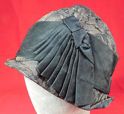 Vintage Sylvera Art Deco Black Silk Gold Lamé Lame Print Flapper Cloche Hat
