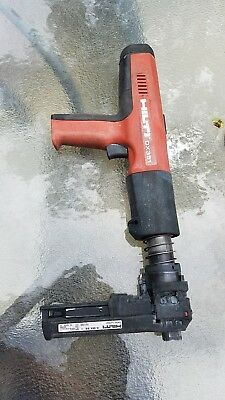 Hilti DX351 with magazine for strips