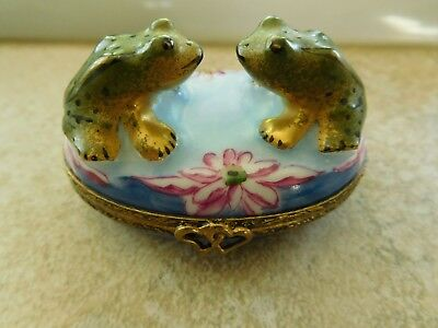 Love Struck Frogs  in Pond, Charmart Limoges France Decor Main Pill Trinket Box