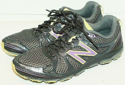 11 B - New Balance Women Wt810 Trail Walking Grey Shoes 11B Medium Used