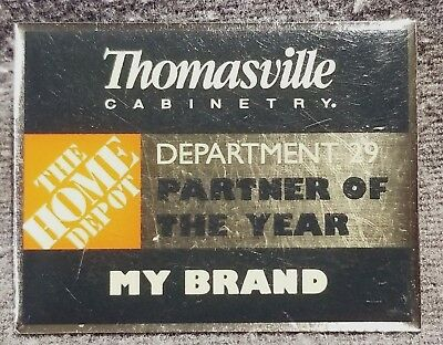 LMH PINBACK Pin THOMASVILLE Cabinetry Cabinets HOME DEPOT Partner Year tEmployee