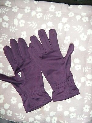 Runners gloves, lightweight, reflective, key pocket. label size 6.5 but fit an 8