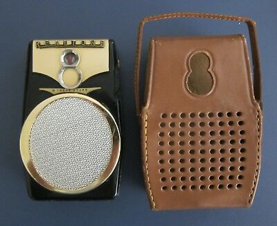 Vintage Realtone 8 Transistor Radio Model TR-1088 With Case Works