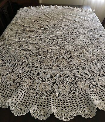 CROCHET Creme, Round Tablecloth 150cm diameter - Lovely Con