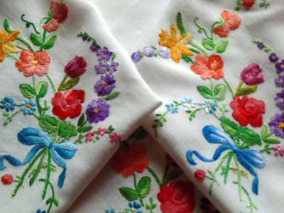 Vintage Hand Embroidered Tablecloth~Fabulous Floral Bouquets~Superb Stitch Work
