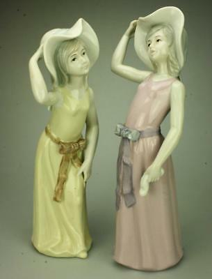Pair of Porcelain Girls with Hats & Bows Made in Taiwan KC321