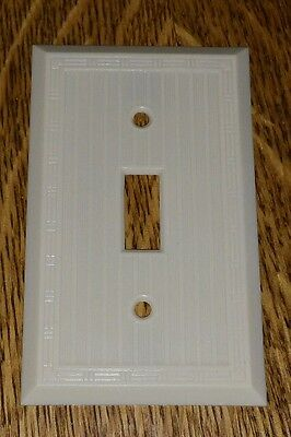Vintage Early Mid Century UNILINE BAKELITE Ribbed Wall SWITCH Plate Cover Lines