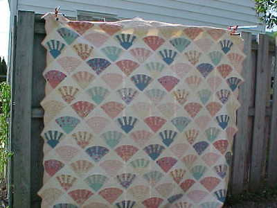 Early 20thc FAN PATTERN QUILT w PINK + BLUE Colors Summer Weight 83 x 77