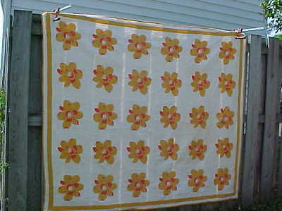 Early 20thc LARGE ORANGE + BUTTERSCOTCH Color FLOWERS Summer Weight QUILT