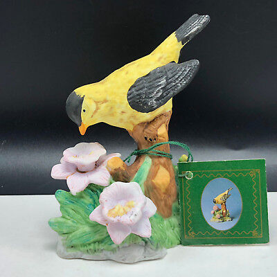 GOLDFINCH FIGURINE VINTAGE BIRD PORCELAIN STATUE nature song american russ finch
