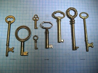 Lot Of 8 Antique Brass Skeleton And Barrel Keys