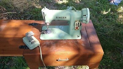 VINTAGE SINGER GREEN SMALL 185J SEWING MACHINE MADE IN CANADA read  description