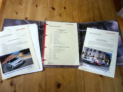 Toyota Corolla press kit, releases & photos, 2000-01, excellent, rare items