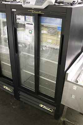 True 2 Door Slide Glass Coolers GDM-11SD - Tested and In Great Working Condition